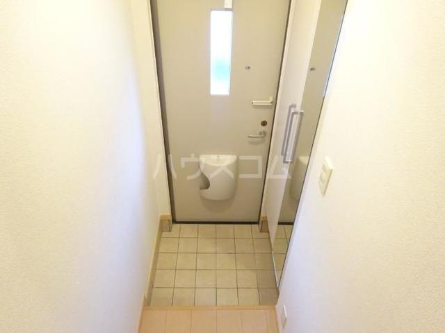 スィーニ 02010号室の玄関