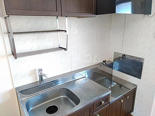セントラルハイツ 206号室のキッチン