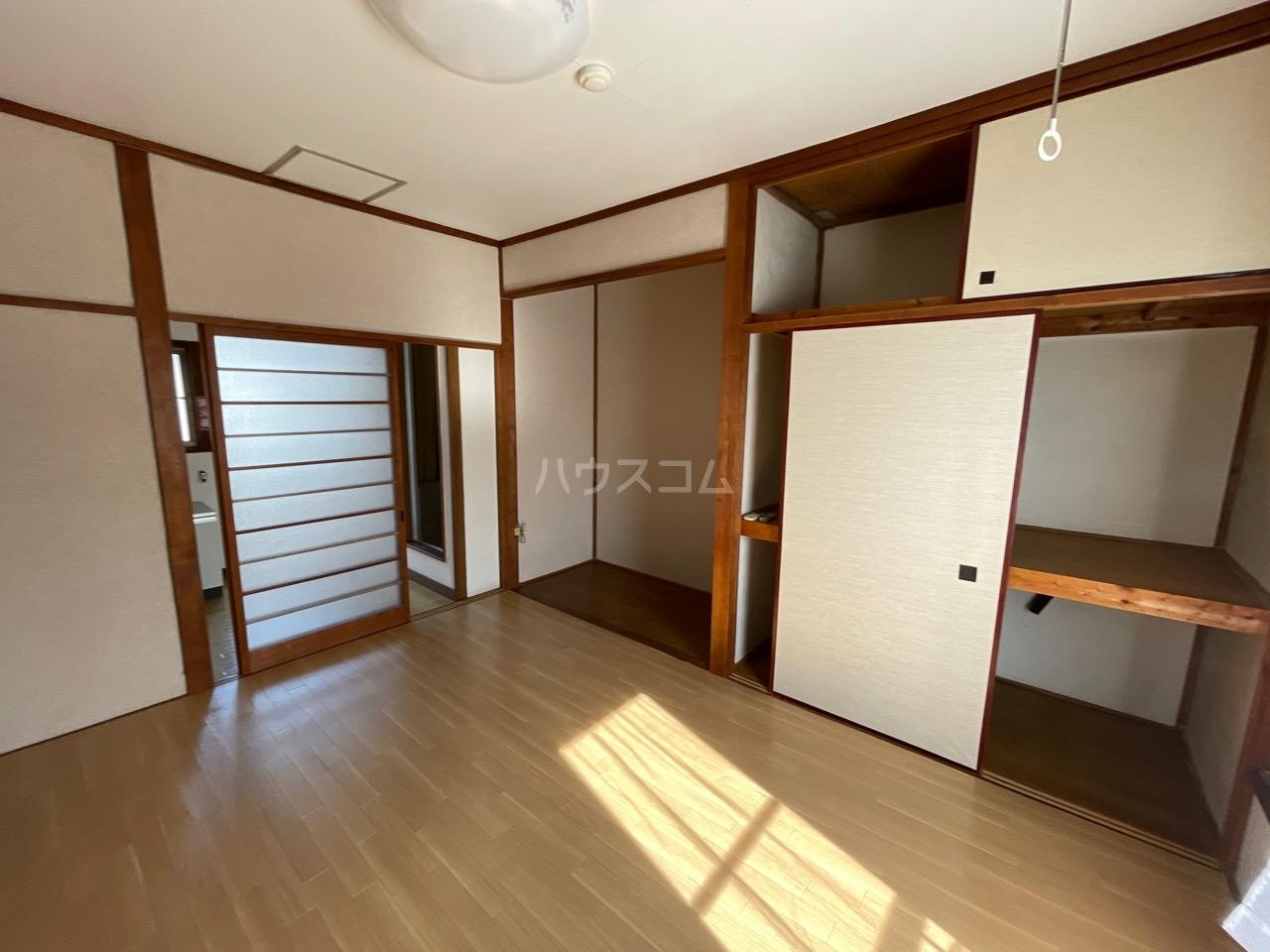 小澤荘 202号室の居室