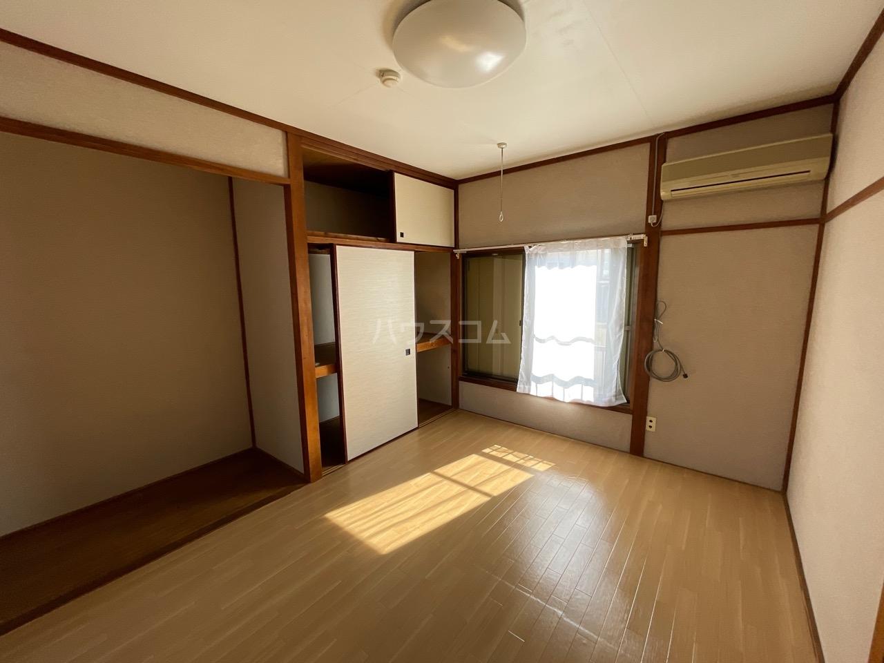 小澤荘 202号室のリビング