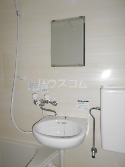 吉田ハイツ 103号室の洗面所