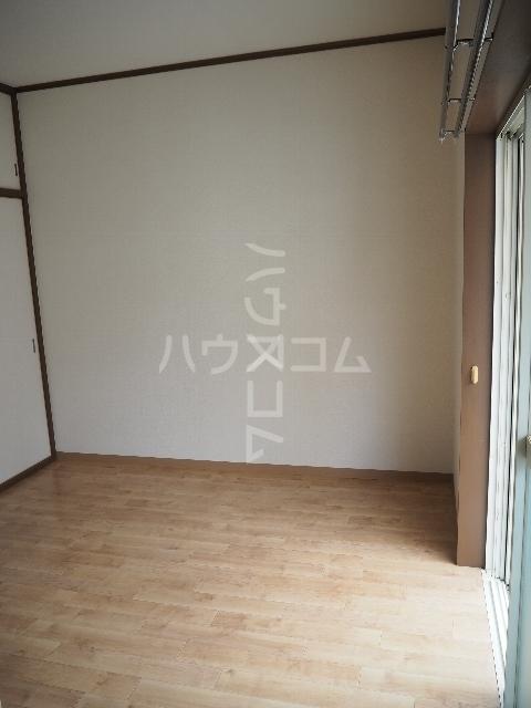 ハイム大京 202号室の玄関