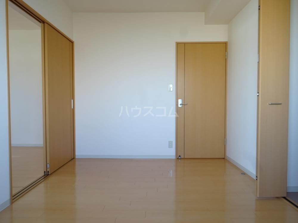 グランストーク北島 201号室の居室