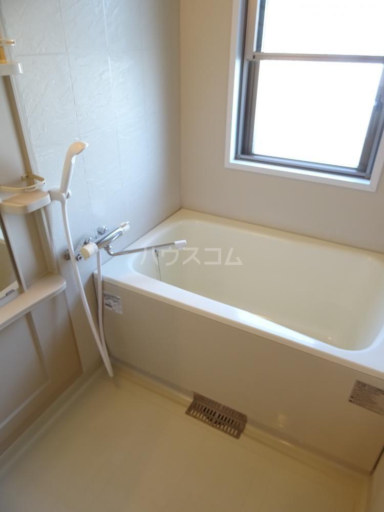 グランストーク北島 201号室の風呂