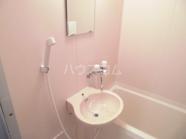 レインボービシュウ 106号室の洗面所