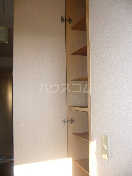 ジュピター翔 204号室の玄関