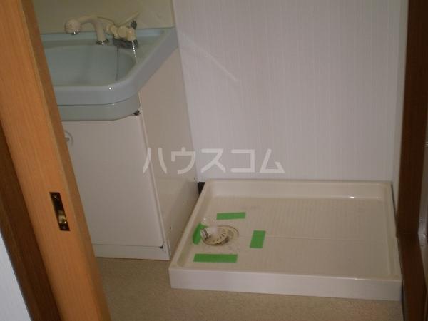 ベルサウンズ 102号室の洗面所