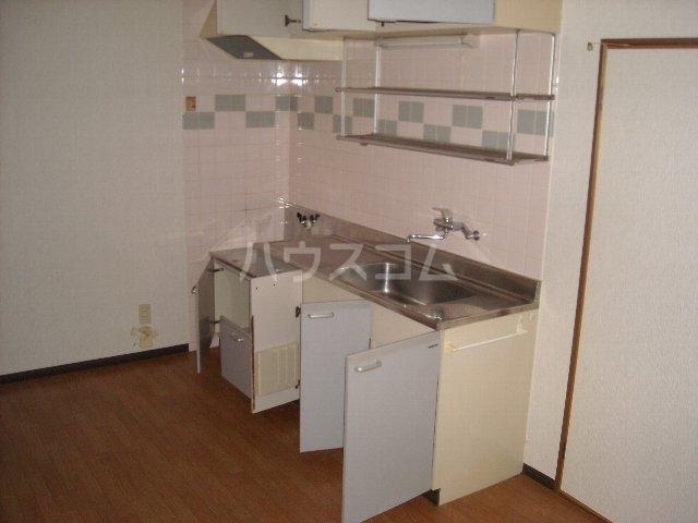 ベルサウンズ 102号室のキッチン