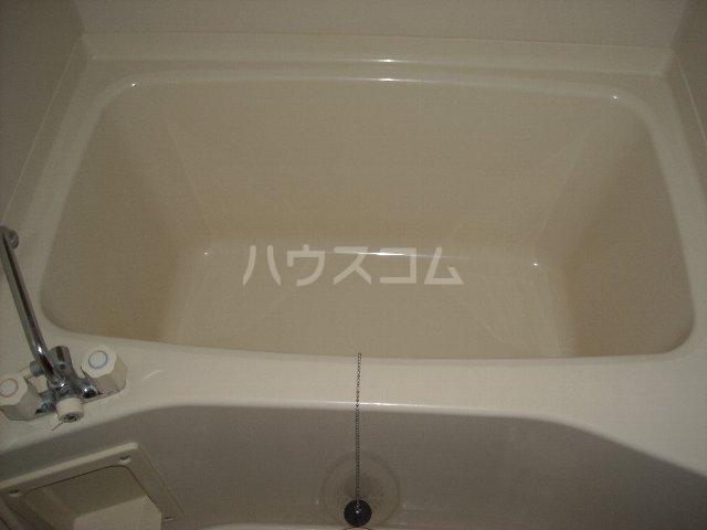 ベルサウンズ 102号室の風呂