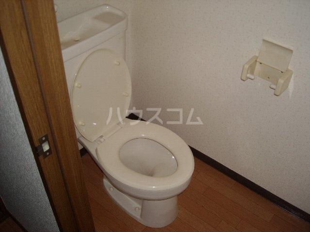 ベルサウンズ 102号室のトイレ