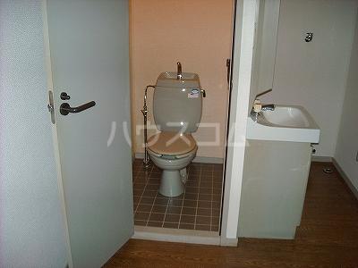 ベルコリーヌ藤ヶ丘 B201号室のトイレ