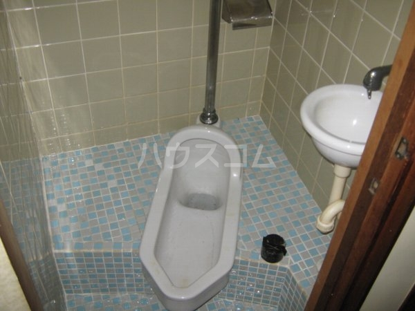 ますみ荘 103号室のトイレ