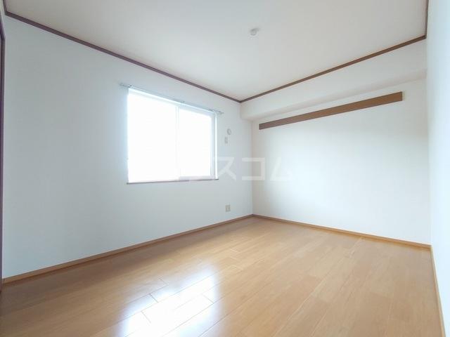 ヴィラフューゲルⅡ 02040号室のベッドルーム