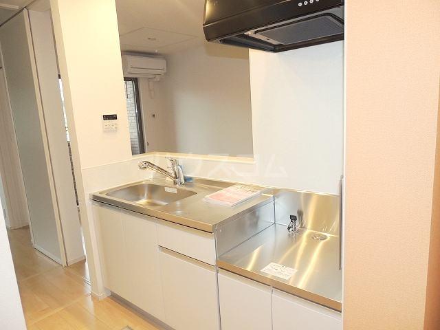 ラ・カンパーニャ 01020号室のキッチン