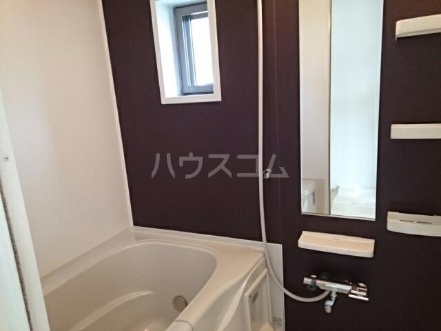 ラルゴ 01030号室の風呂