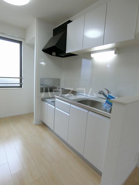 イースト アヴェニューB 03020号室のキッチン