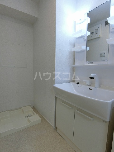 イースト アヴェニューB 03020号室の洗面所