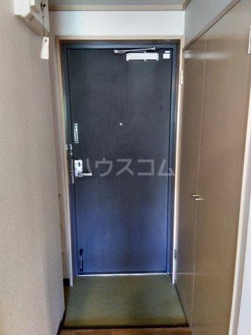 スペースイン金山 203号室の玄関