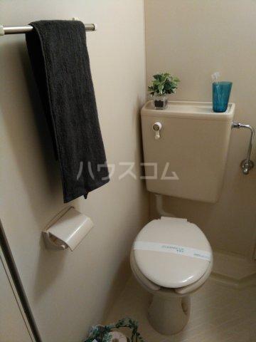 スペースイン金山 203号室のトイレ