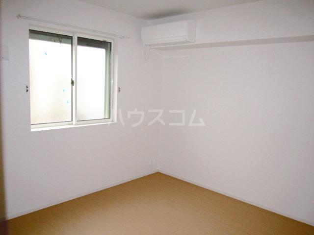 メゾンブリーズⅨ 01020号室の居室