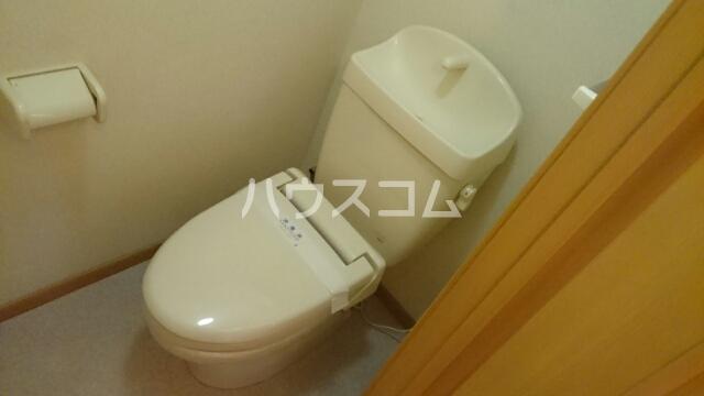エレガンシアⅡ 02030号室のトイレ