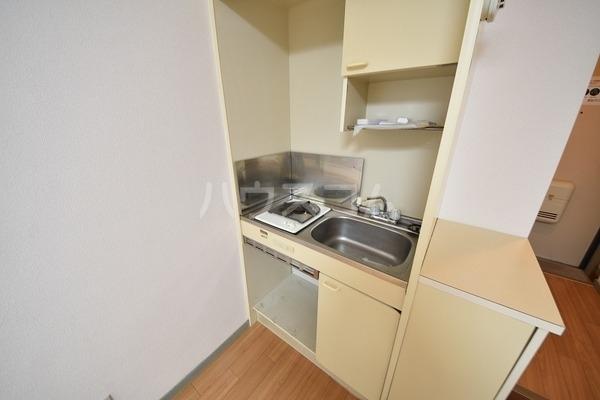 カルム平和 202号室のキッチン