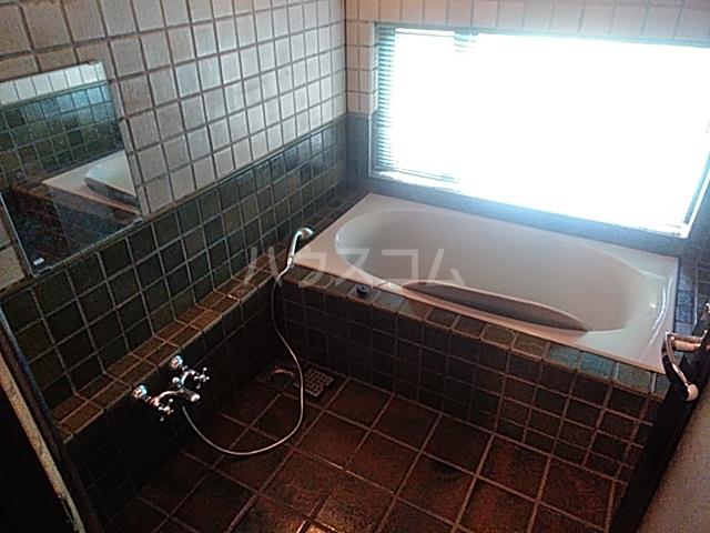 岡田戸建の風呂