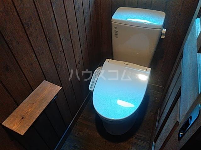 岡田戸建のトイレ