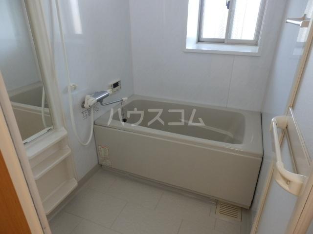 アクシス 401号室の風呂