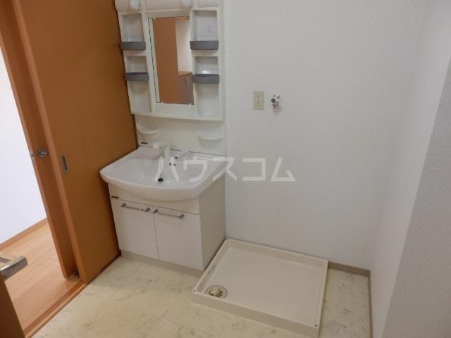 アクシス 401号室の洗面所