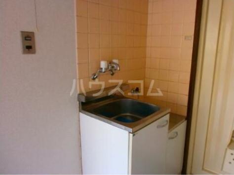 メゾン・ド・富士見町 0203号室のキッチン