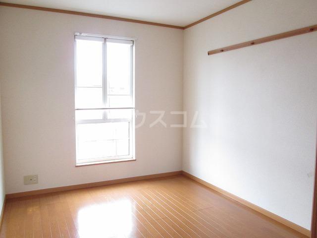ポワールⅡ 02030号室のベッドルーム