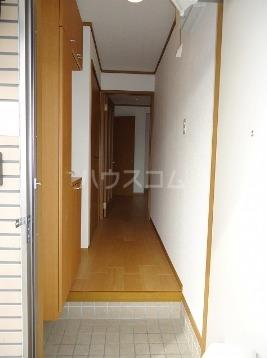 エル・レフィナードⅡ 01030号室の玄関