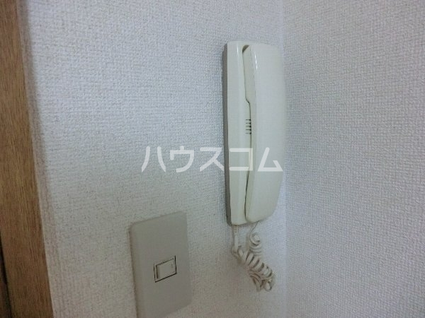 エトワール勝川 101号室のバルコニー