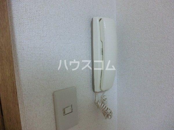 エトワール勝川 101号室の居室