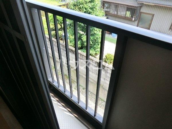 エトワール勝川 202号室のバルコニー