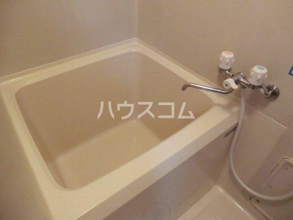エトワール勝川 202号室の洗面所
