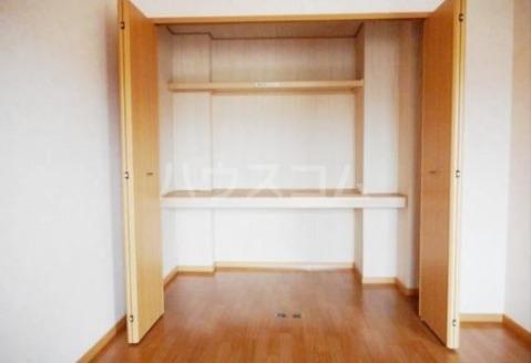 ボヌールフォンテーヌ 02040号室の収納