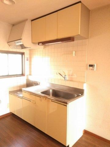 フォースト鶴間 302号室のキッチン