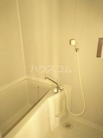 フォースト鶴間 302号室の風呂