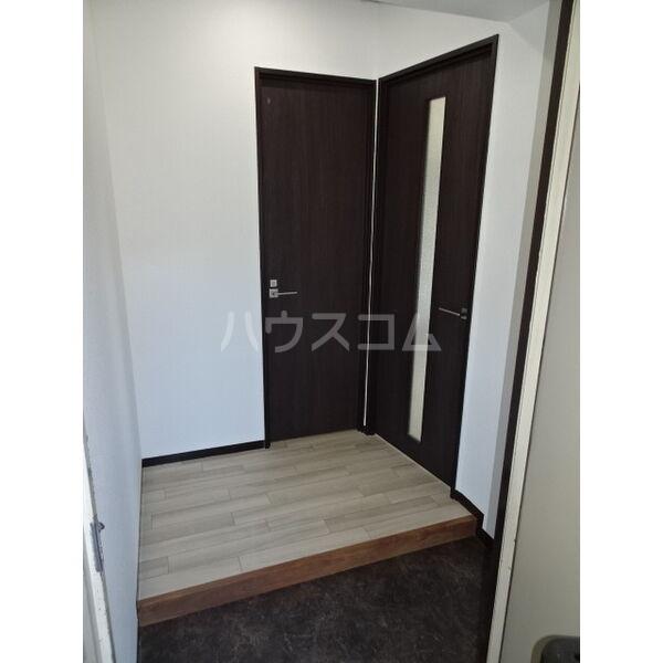 マンション加藤 205号室の玄関