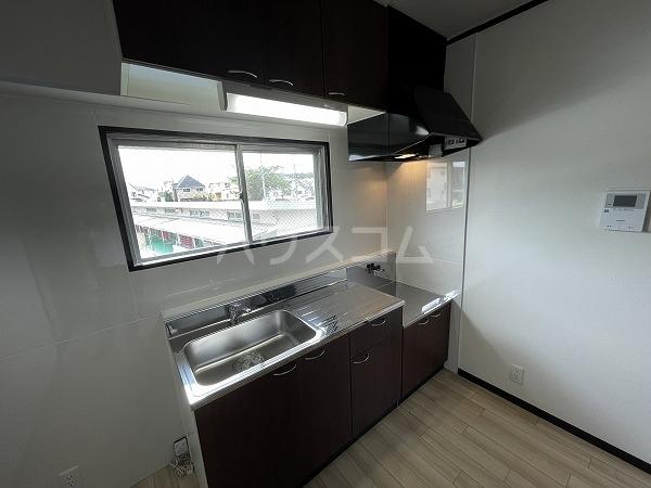 マンション加藤 205号室のキッチン