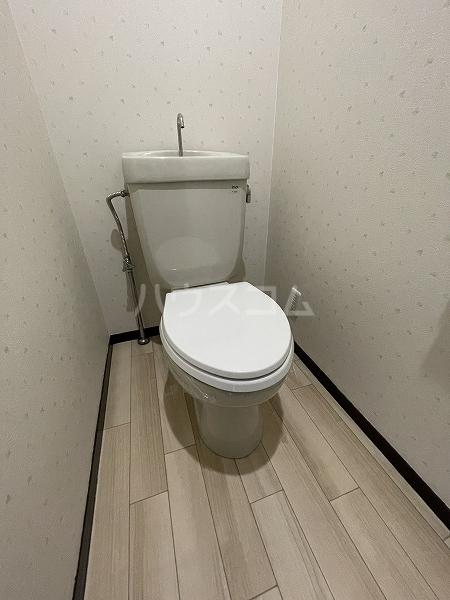 マンション加藤 205号室のトイレ