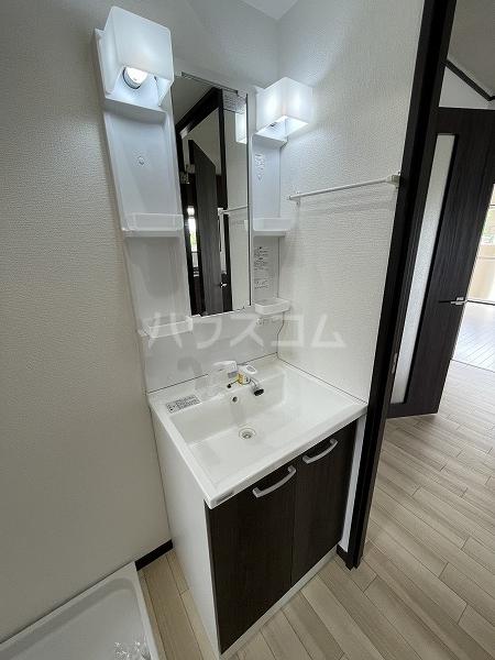 マンション加藤 205号室の洗面所