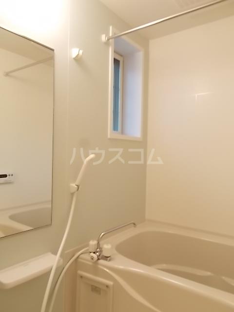ノワール エ ブラン 02010号室の風呂