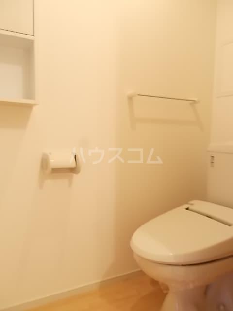 ノワール エ ブラン 02010号室のトイレ