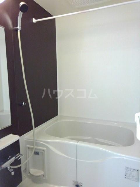 フォンテーヌ・イー 01040号室の風呂