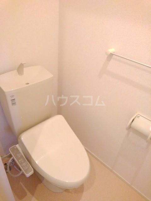 フォンテーヌ・イー 01040号室のトイレ