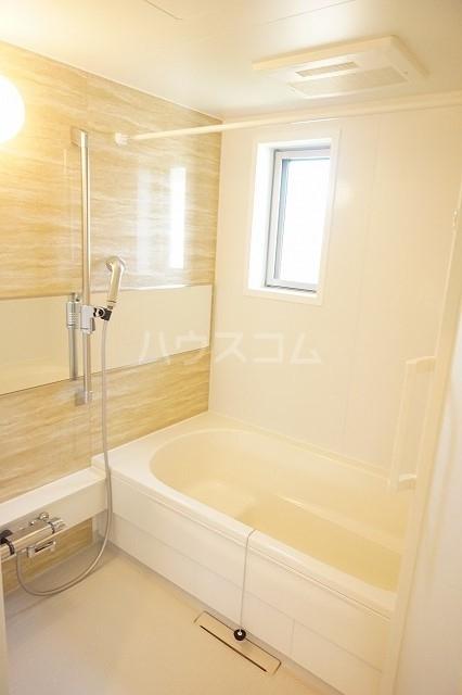 アネシス木太B 02010号室の風呂