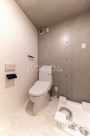 COCOFLAT小竹向原 204号室のトイレ